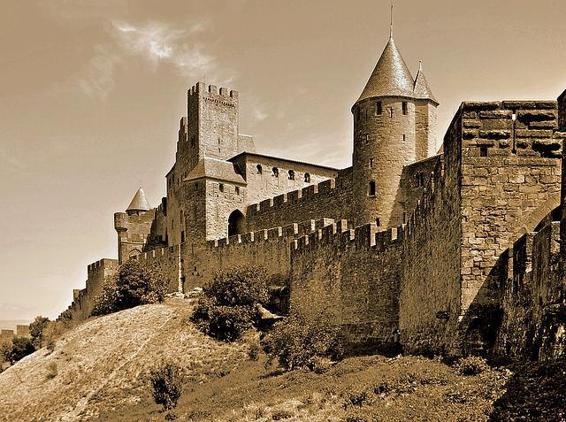 carcassonne-1274186_640