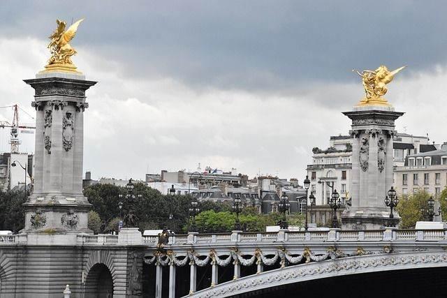 paris-964517_640