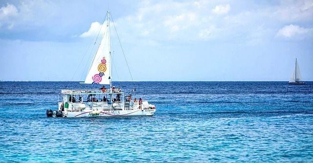 boat-1330415_640