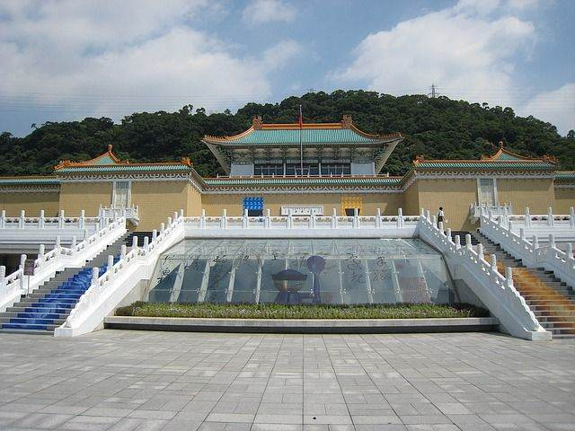 national-palace-museum-1158392_640