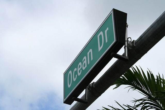 ocean-drive-654868_640