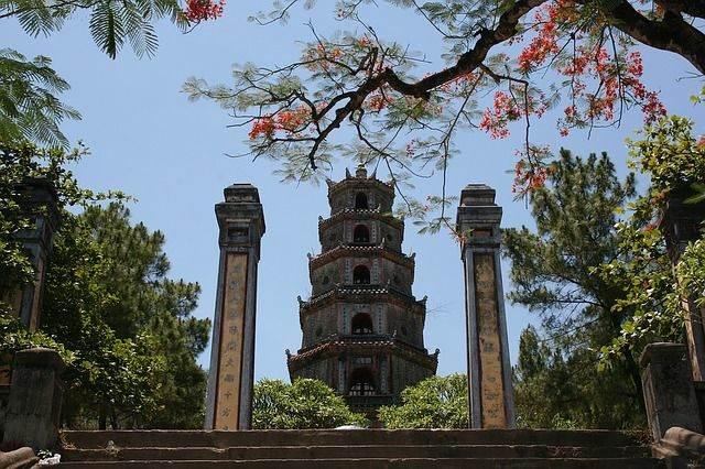 pagoda-1601-1158427_640
