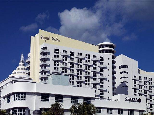 royal-palm-hotel-234742_640