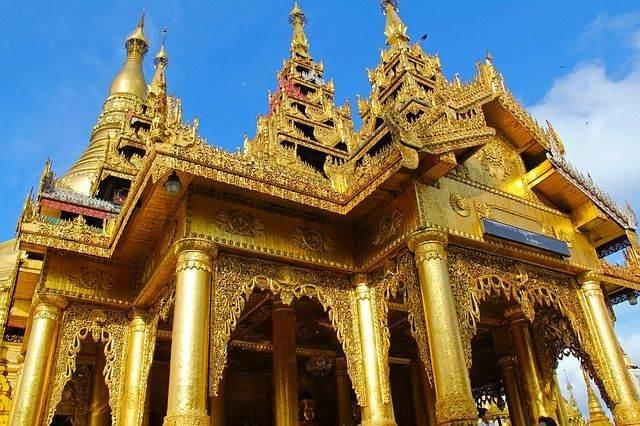 shwedagon-pagoda-956956_640