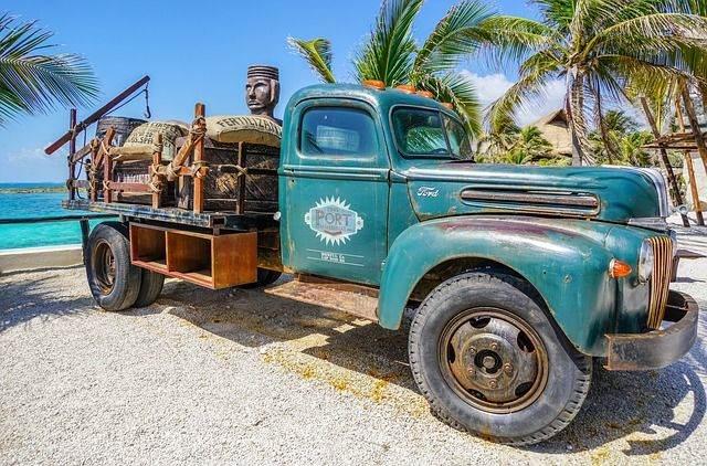 truck-1332564_640