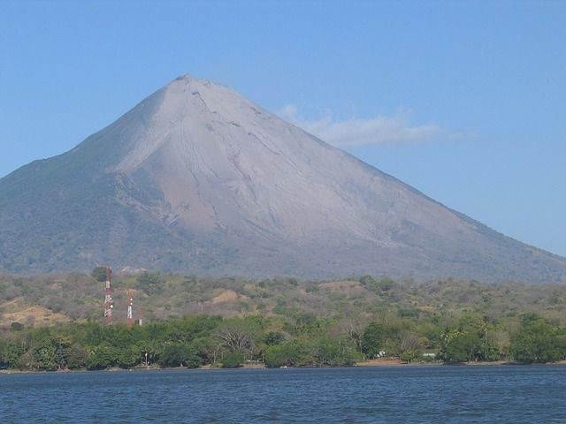 volcano-view-699917_640