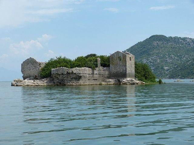 montenegro-824554_640