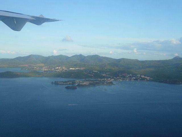 plane-view-143449_640