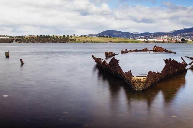 shipwreck-1478334_640