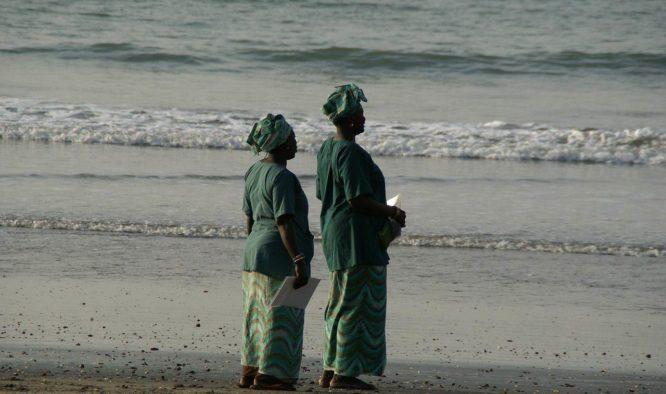 Op strandentocht door Gambia
