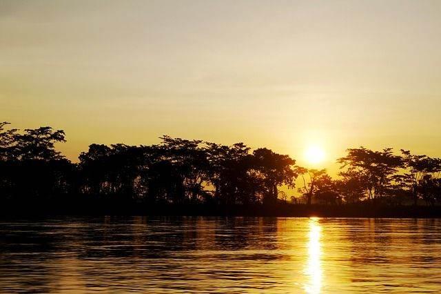 river-1405645_640