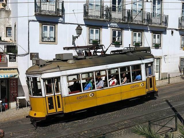 lisbon-1395924_640
