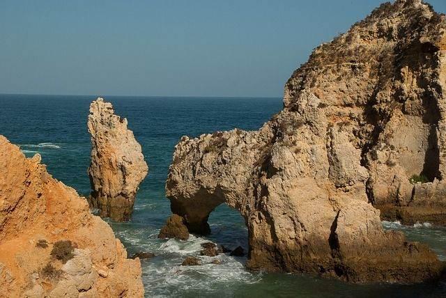 portugal-1562216_640