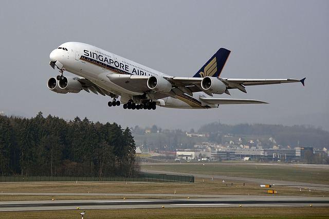 aircraft-1456706_640