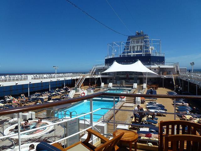 cruise-ship-352939_640