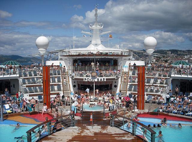 cruise-ship-615126_640
