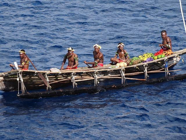 canoe-262466_640