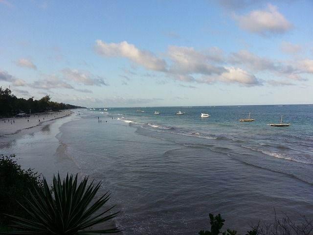 diani-beach-188149_640