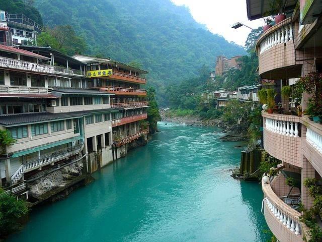 hot-springs-257867_640