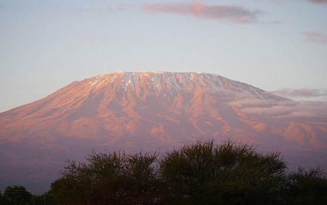 kilimanjaro-1203937_640