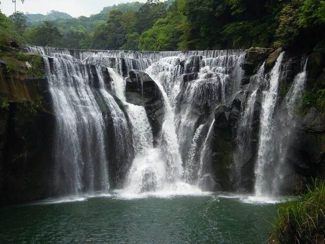shifen-waterfall-706305_640