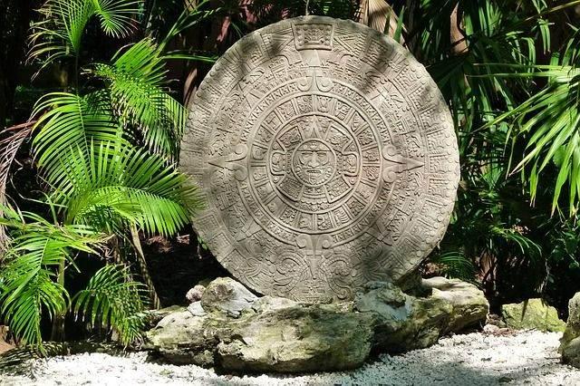 the-aztec-calendar-204821_640