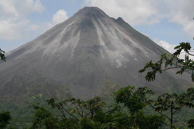 volcano-315812_640