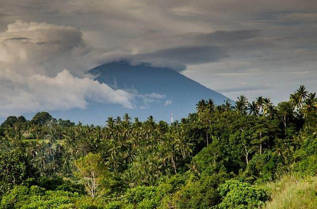 volcano-384667_640