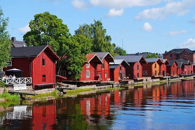 wooden-houses-796386_640