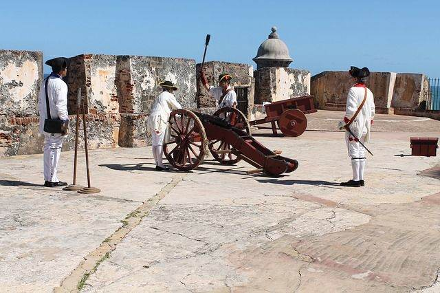 cannon-277334_640
