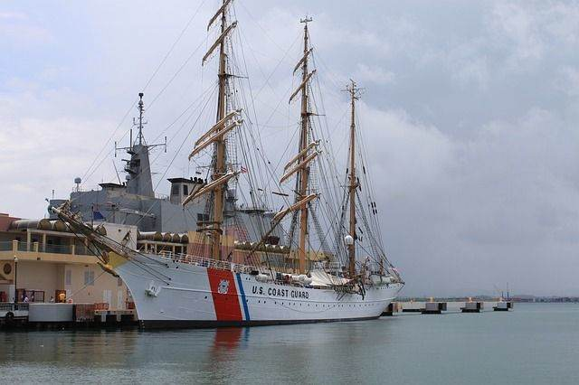 ship-812724_640