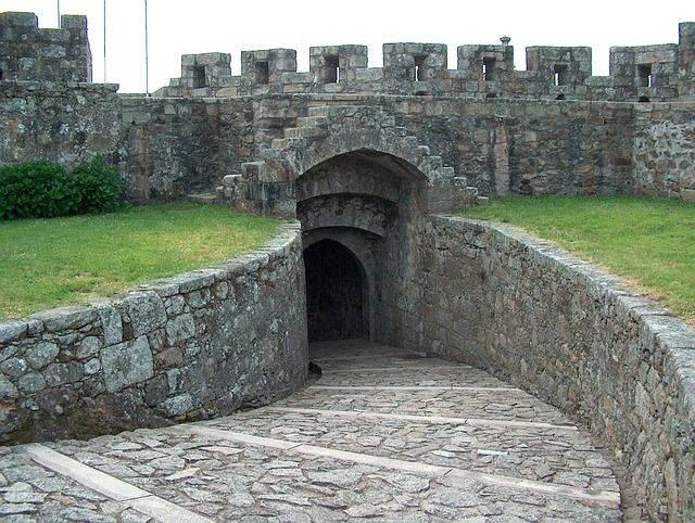 castle-959147_640