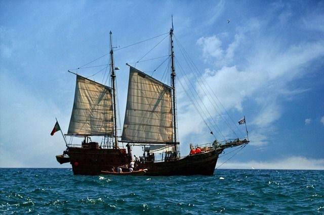 pirate-ship-745347_640