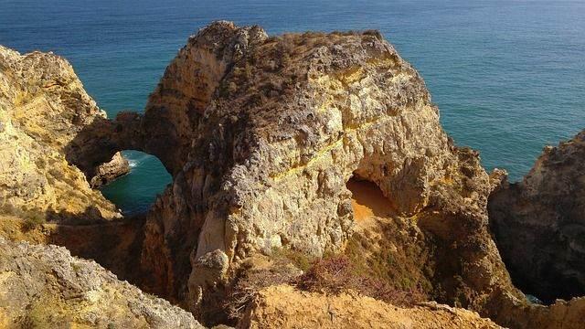 portugal-1565507_640