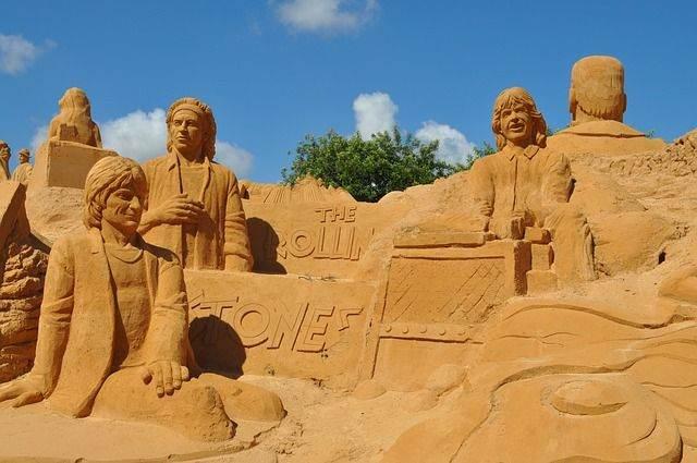 sand-sculpture-541806_640