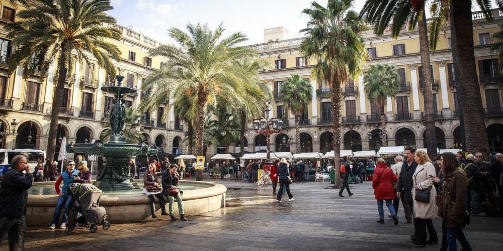 barcelona-2371946_1280