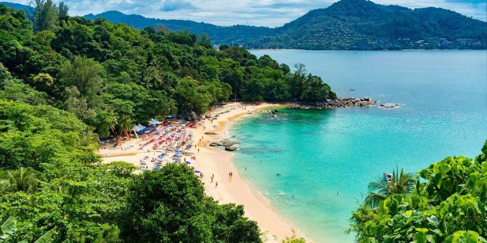 beach-2084350_1280