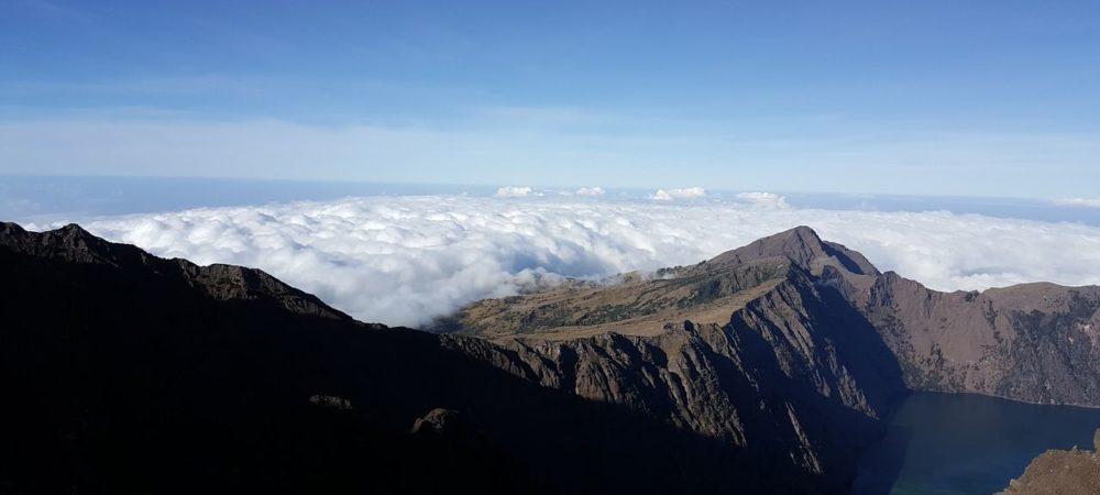 rinjani-volcano-3715296_1280