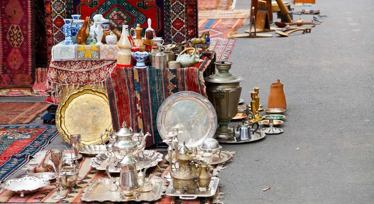 Street Flea Market in Yerevan-min